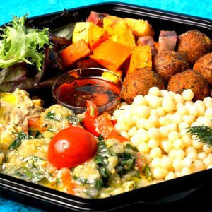 falafel salat box_edited.jpg