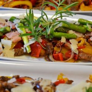 Biffsalat med bacon,asparges