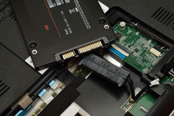 Inilah Mengapa Upgrade SSD Sangat Berpengaruh Pada Laptop | Murdockcruz