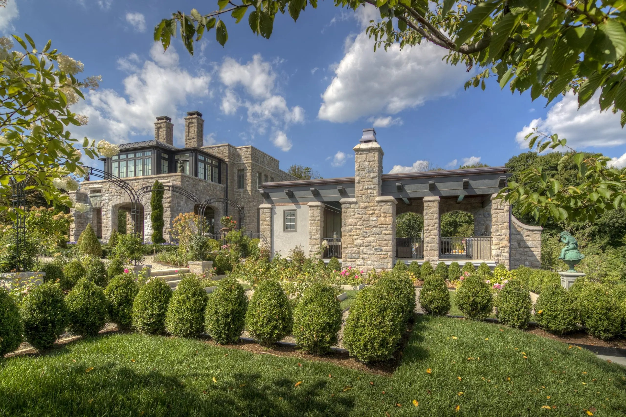 Castle Pool House 1 - Armonk, NY - Murphy Brothers Contracting Project