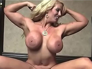 Muscle Pornstar MILF AluraJensonxxx