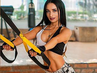 Athletic Gym Addict LadyDayanna Works It Good