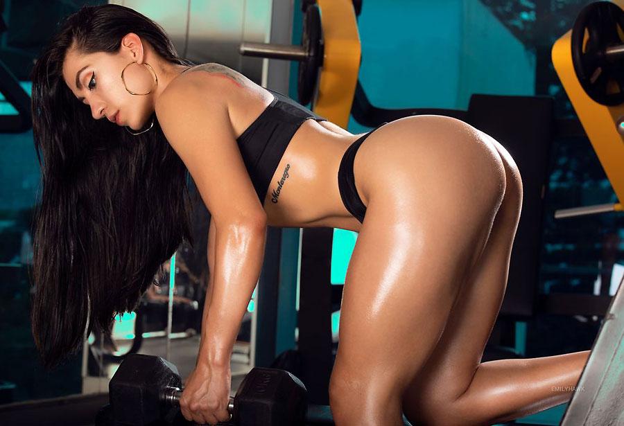 sporty buff camgirl latina emilyhawk
