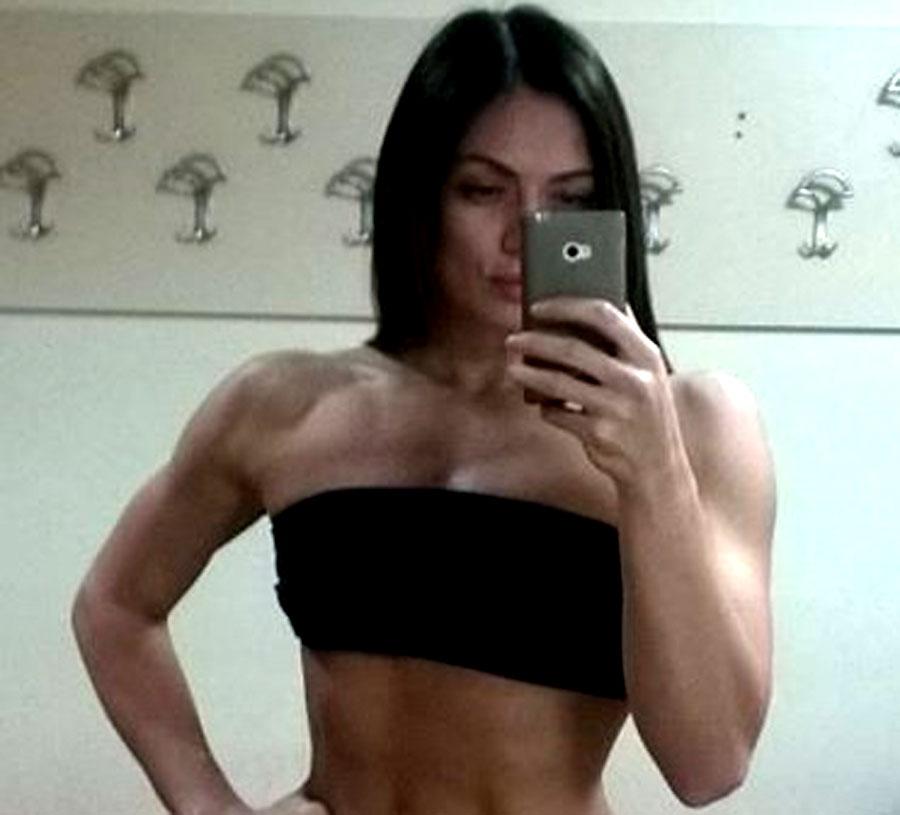 flexible female bodybuilder iriskingston