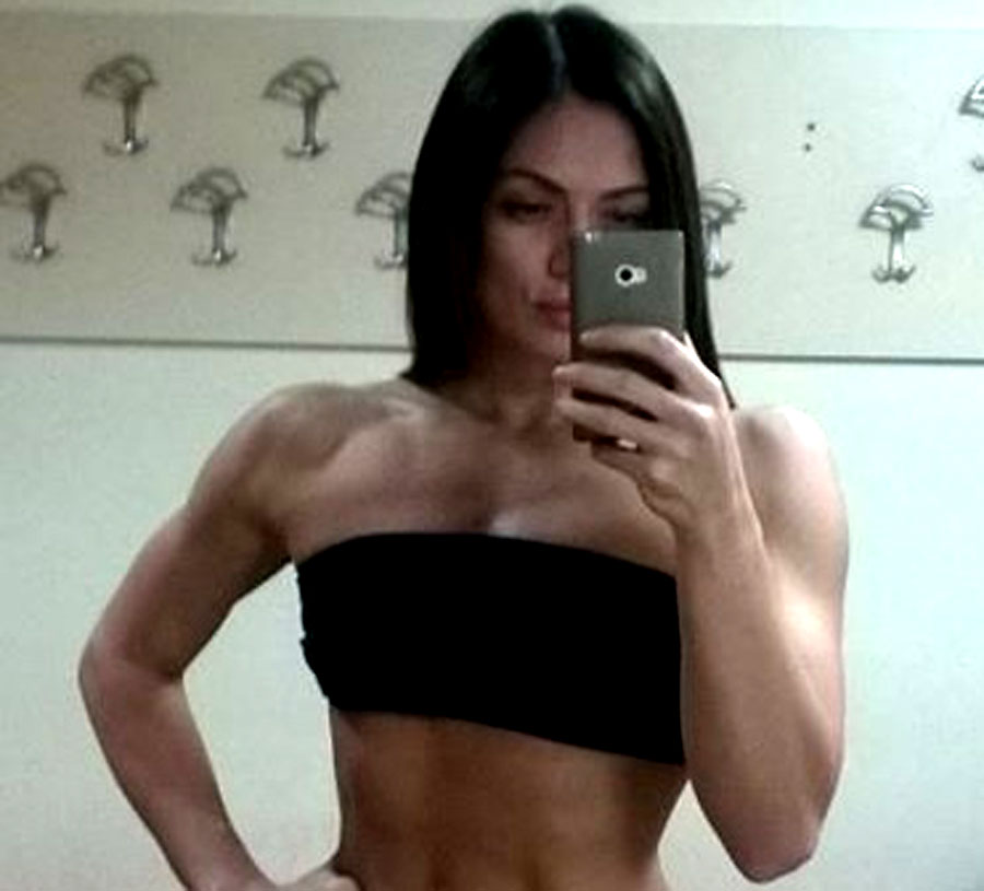 flexible female bodybuilder iriskingston