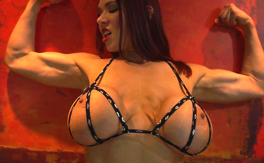 big tits muscle camgirl kyleenash