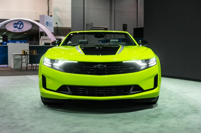 Chevrolet Camaro Fest Muscle Car GM Shock Yellow Green