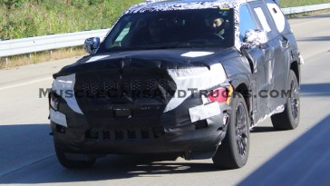 2022 Jeep Grand Cherokee JL Spy Shots