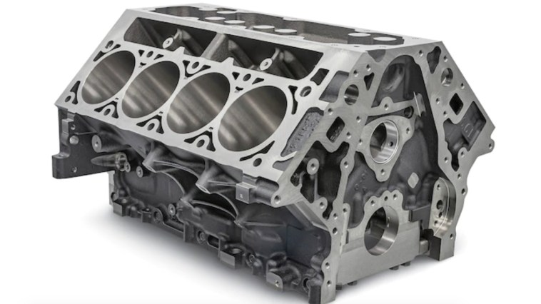 GM Chevrolet Performance L8T Crate Engine 6.6L Engine Block