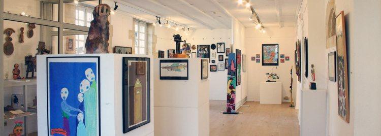 salle à l'étage du musée de la Création Franche