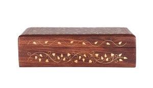 04-Caja para tarot con decorado floral de latón
