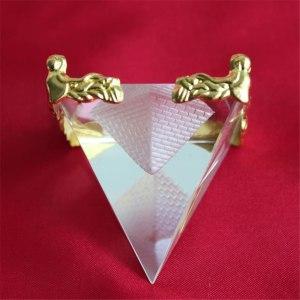 03-Pirámide Energía Cristal Soporte 5cm