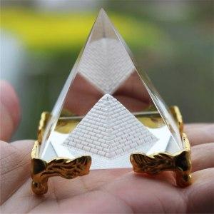 06-Pirámide Energía Cristal Soporte 8cm