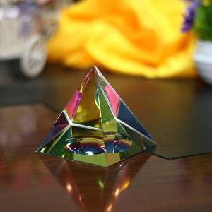 04-Pirámide Energía Cristal iridiscente 10cm
