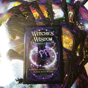 02-Witches Wisdom Oracle Cards