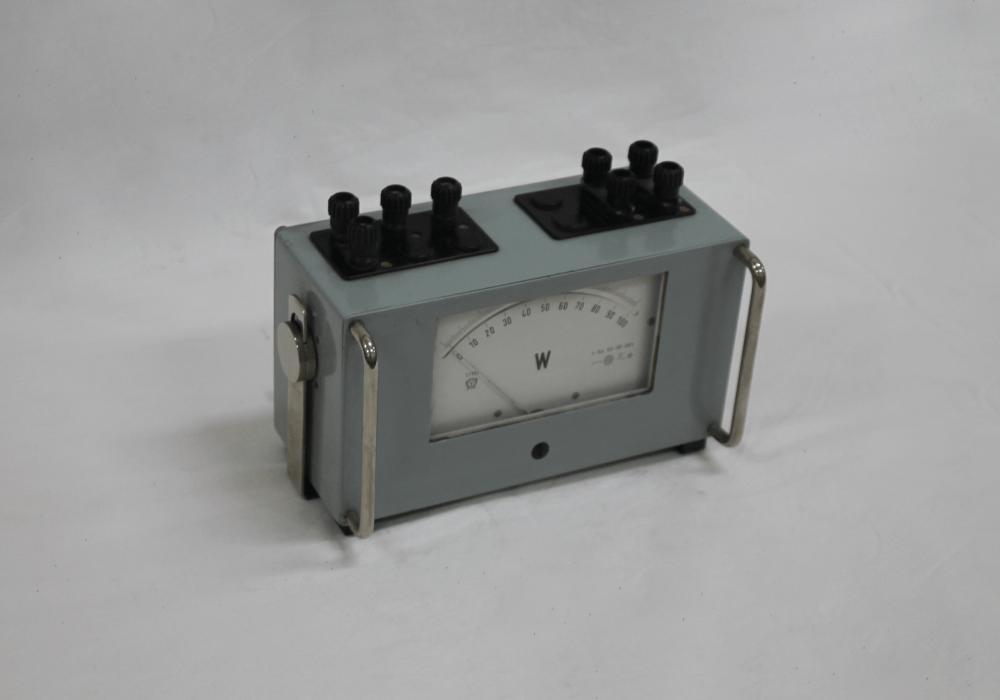 Watímetro de escala 0-100 W