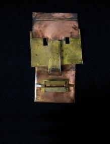 """Máscara"" s.f. : lámina de cobre 35 x 20 x 3 cm"