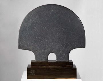 Escarabajo | 2018 Talla sobre piedra basáltica 50 x 45 x 18 cm