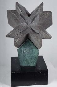 Estrella fugaz | 2017 Talla sobre piedra basáltica 54 x 40 x 35 cm