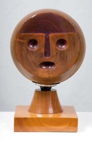 Máscara | 1994 Talla sobre madera de caoba 40 x 26 x 26 cm