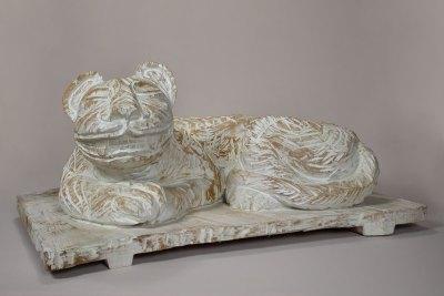 """""""Jaguar 1"""" : 2013 : talla en madera estucada : 46 x 96 x 70 cm"""