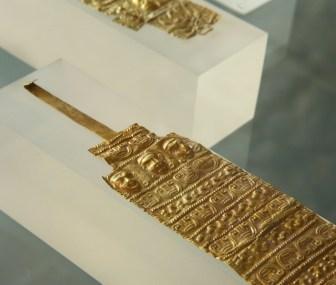 Due armille d'oro, Loc. Cerrecchio, Circolo dei Leoncini d'Argento, 1° deposizione (Fine VII secolo a.C.)