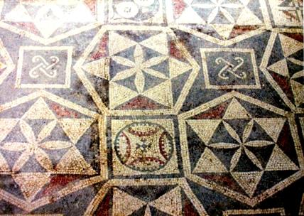 Mosaici e piastrelle geometriche nel postpaleolitico