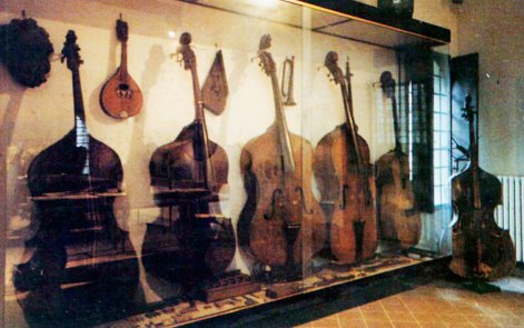 La collezione e la casa Varoli in un'immagine di archivio