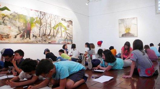 I bambini visitano la mostra