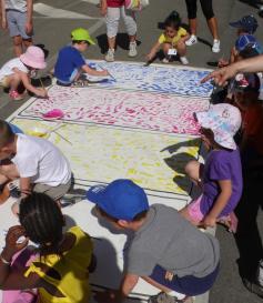 azione di pittura infinita / lunedì 5 giugno / corso sforza e via cairoli / a cura della scuola arti e mestieri