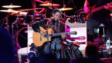 Photo of Lauryn Hill Astounds Los Angeles' Greek Theatre Despite Technical Mishaps