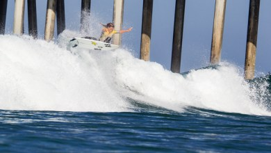 Photo of WOMEN'S WORLD TITLE RACE TO RESUME AT VANS US OPEN OF SURFING