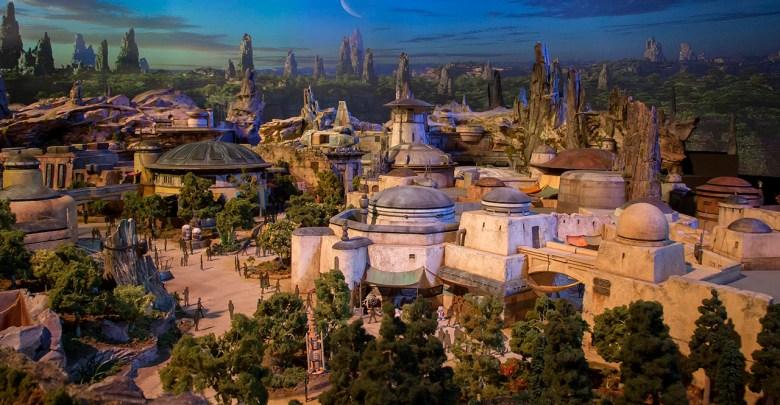 Disneyland Star Wars Land Galaxy's Edge