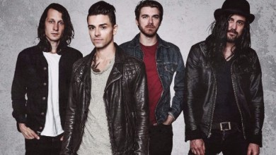 Photo of DASHBOARD CONFESSIONAL AND ALL-AMERICAN REJECTS COVER EACH OTHER COMMEMORATE TOUR