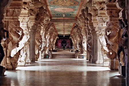 Hall of 1000m pillars at the Meenakshi Temple