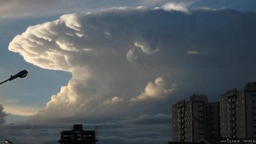A cumulonimbus cloud