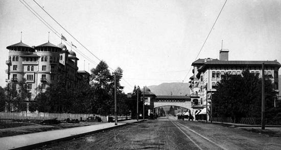 Resort hotel in Pasadena, circa 1900