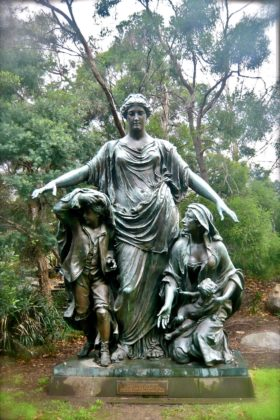 Melbourne's Lost Buildings: The Colonial Mutual Life Statue