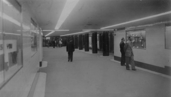 The Degraves Street Subway, shortly after opening