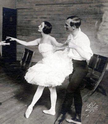 Anna Pavlova rehearsing