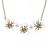 Natty Triple Manuka Flower Necklace