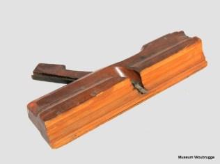 Profielschaaf, houten profielschaaf (ook ojiefschaaf genoemd) met schaafbeitel