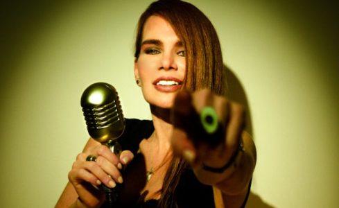 Maria-Rivas-30-Años-Cantando-Para-ti-2-489×300