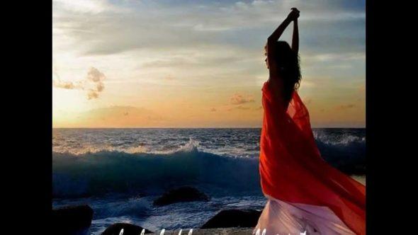 Mujer-Bailando-590×332