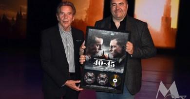 Will Tura en Steve Willaert ontvangen gouden plaat 40-45