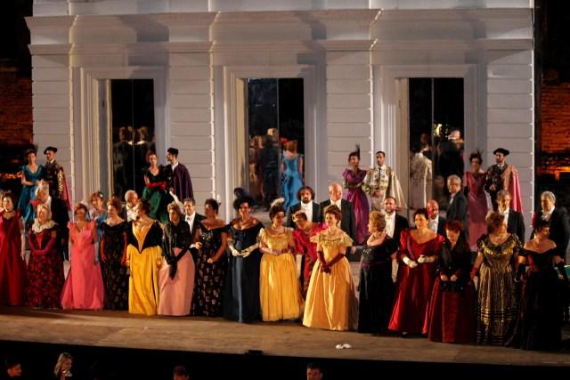 scena di insieme Traviata