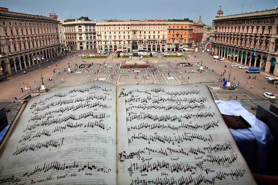 Piazza del Duomo di Milano. In primo piano: codice Gaffurio.