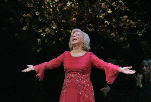 Mirella-Freni-at-2005-Metropolitan-Opera-Gala