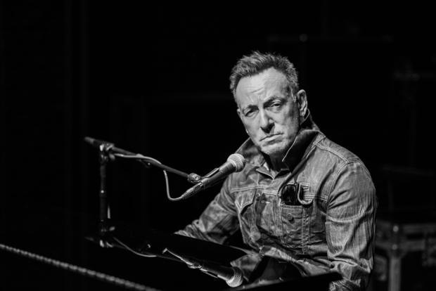 Bruce Springsteen, al piano