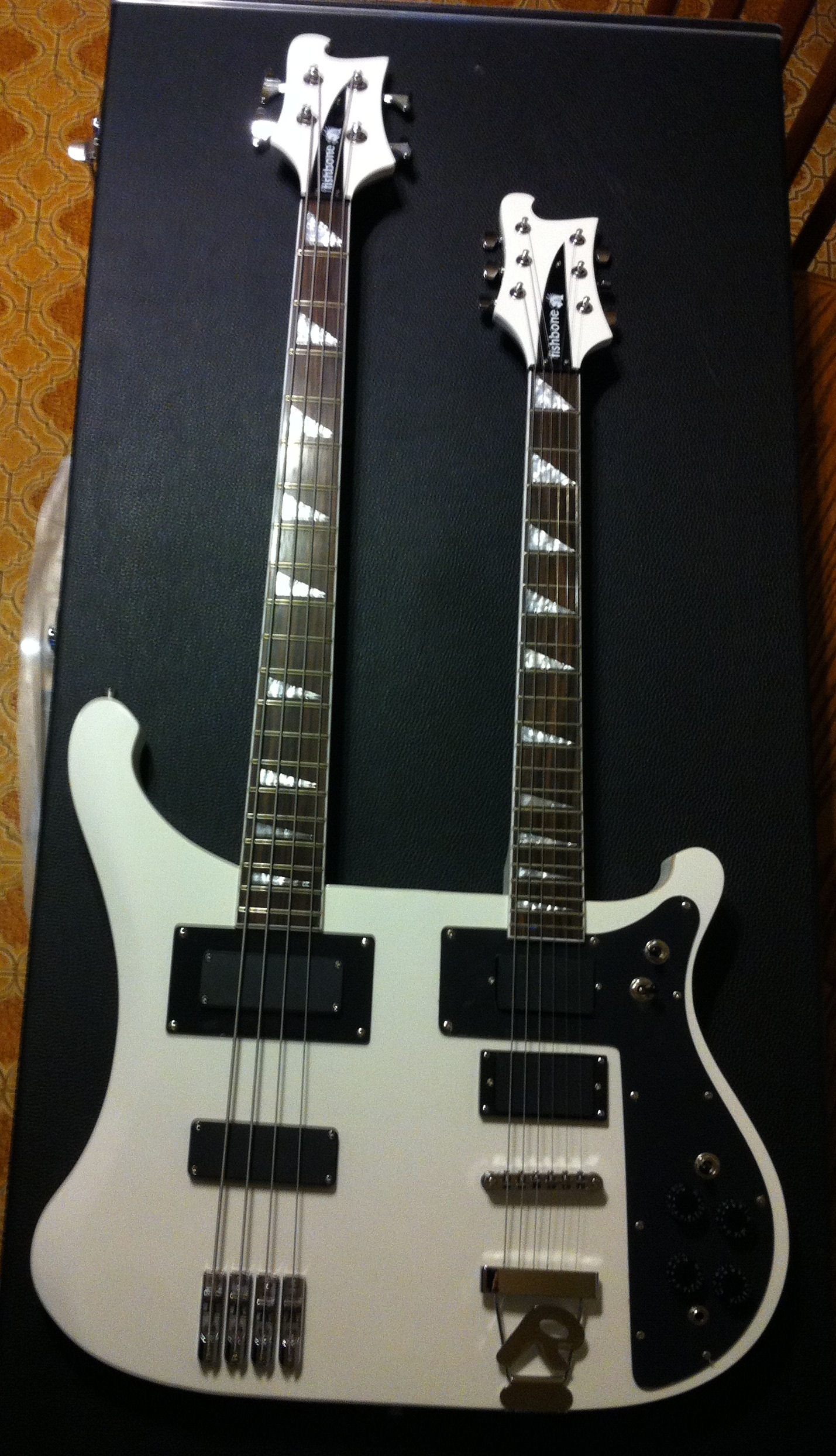 Fishbone-Double Neck Bass 6 String /axe White